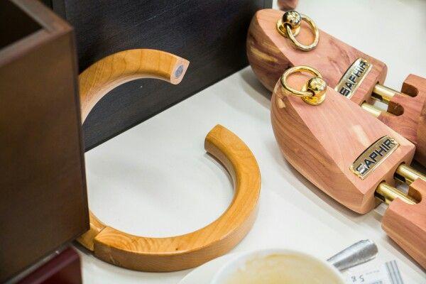 #saphir #shoetrees #trees #shoeporn #shoestagram #multirenowacja #multirenowacjapl #shoes #shoeslover #shoecomfort #leathercare #shoecare #schuhe #schuhen #shoesformen #menfashion #menstyle #fashion #style #Classy #fashionlover #hangerproject #hanger #hangers #wood #cedarwood