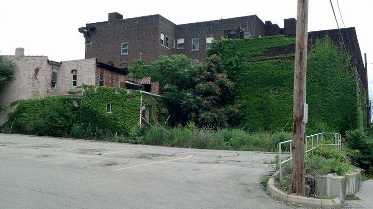 East Liverpool Ohio abandoned building.