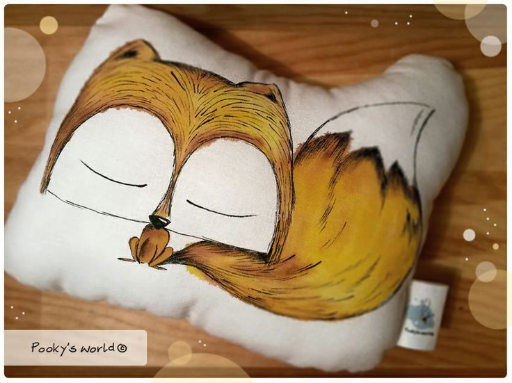 handpainted pillow - fox  #fox #handpainted #pooky #pillow