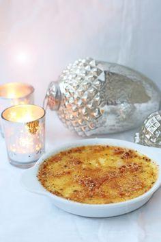 Weihnachtliche Crème brûlée mit Lebkuchengewürz, das perfekte Dessert für Heiligabend. Am Tag vorher zuzubereiten und stresslos zu servieren. Und hier ist das Rezept http://wolkenfeeskuechenwerkstatt.blogspot.de/2016/11/weihnachtliche-creme-brulee.html