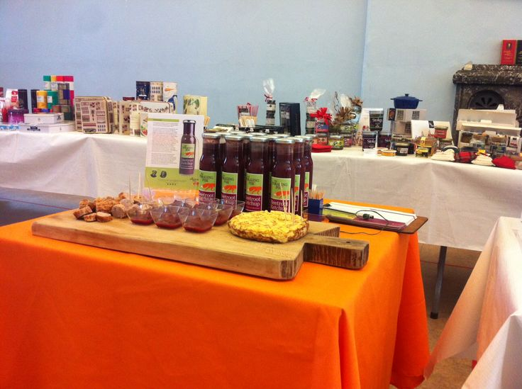 The Foraging Fox Beetroot Ketchup sampling at the Cotswold Fayre Roadshow