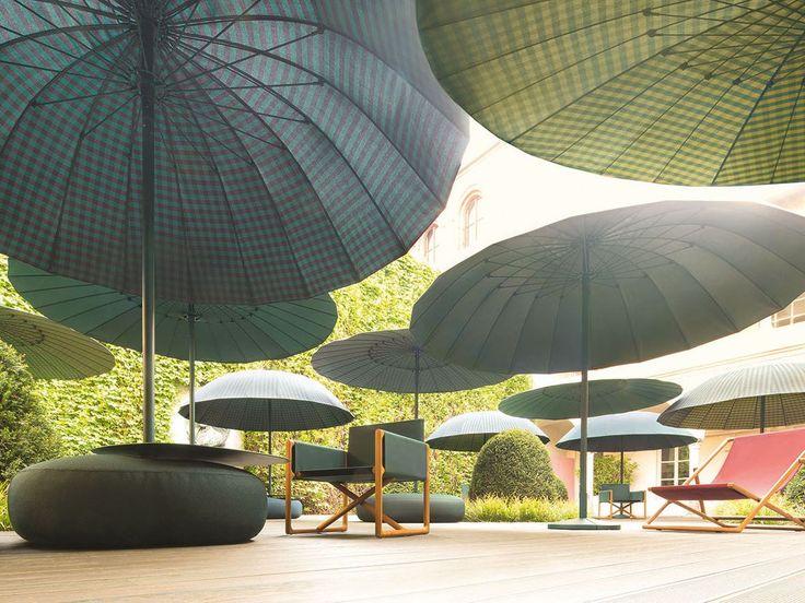 Garden umbrella BISTRÒ by Paola Lenti