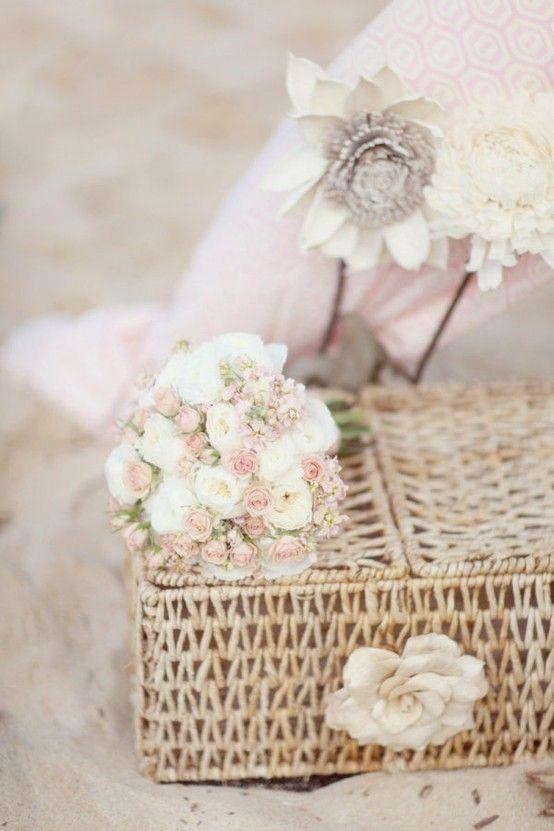 216 best images about bella rose on pinterest - Decorar estilo shabby chic ...