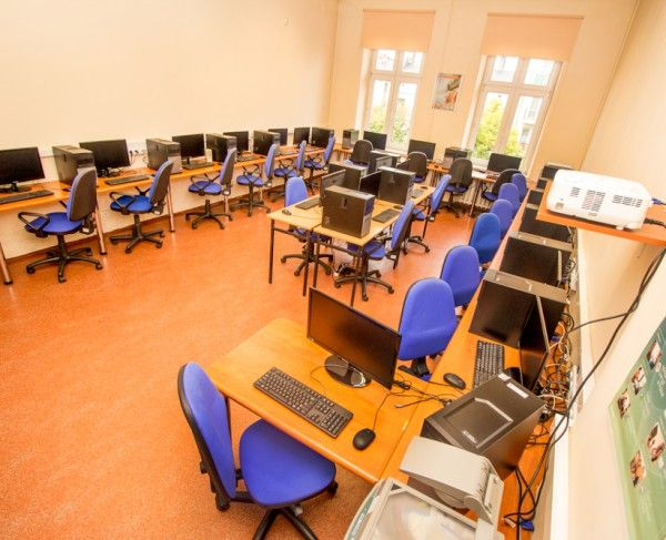 Pracownia komputerowa w Słupsku, #sale #saleszkoleniowe #saleslupsk #salaslupsk #salaszkoleniowa #szkolenia  #szkoleniowe #sala #szkoleniowa #slupsku #konferencyjne #konferencyjna #wynajem #sal #sali #szkolenie #konferencja #wynajęcia #slupsk #słupsk #salerezerwacje #komputerowa
