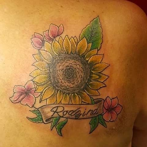 【hilarysalas84】さんのInstagramをピンしています。 《#sunflower #sunflowers #sunflowertattoo #sunflower #flower #flowers #flowertattoo #flowertattoos #color #colortattoos #cherryblossomtattoo #cherryblossom #cherryblossoms #neotatmachines #neotat #eternal #eternalink #tattoos #tattoo》