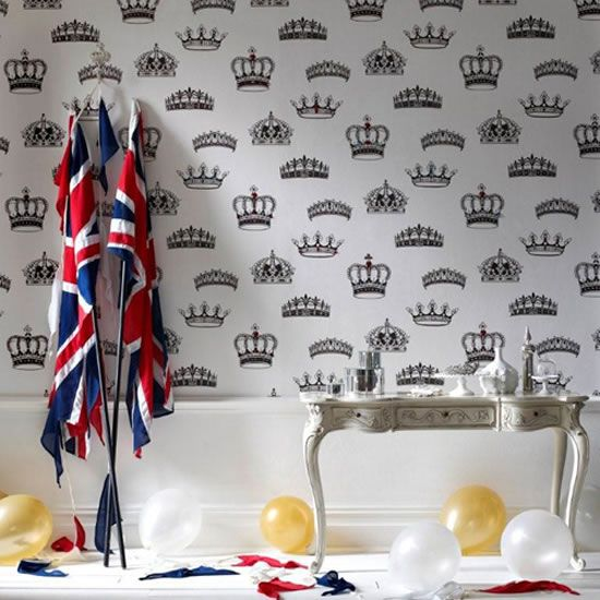 For Royal Household and those who love Britain! The Perfect Wallpaper & Flags to match!