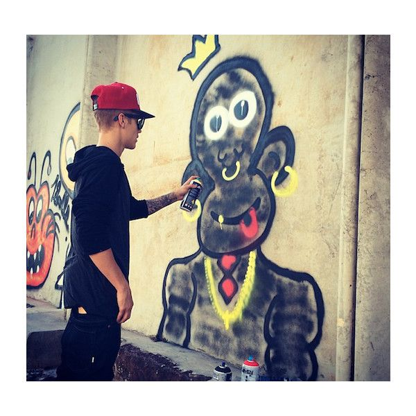 Is Justin Bieber's New Graffiti Hobby Illegal? ❤ liked on Polyvore featuring justin bieber, justin, jb, boys and fotos