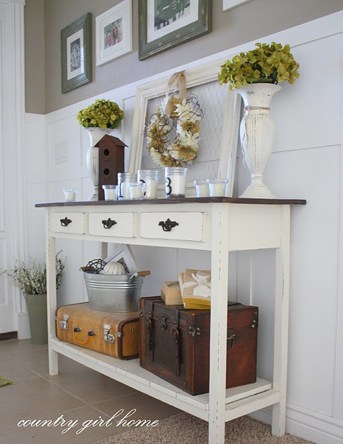 Entry table and accessories. Love.