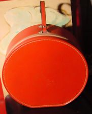 Vintage red leather round train make-up case luggage zippered w. 1 pocket inside