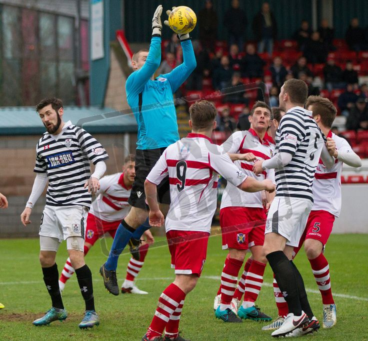 Stirling Albion's keeper Chris Smith clutches the ball during the SPFL League Two game between Stirling Albion and Queen's Park.