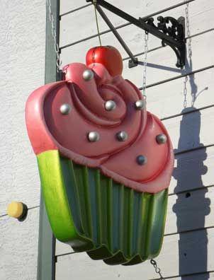 Ooh La La Cupcakes sign by Ryan Grealy