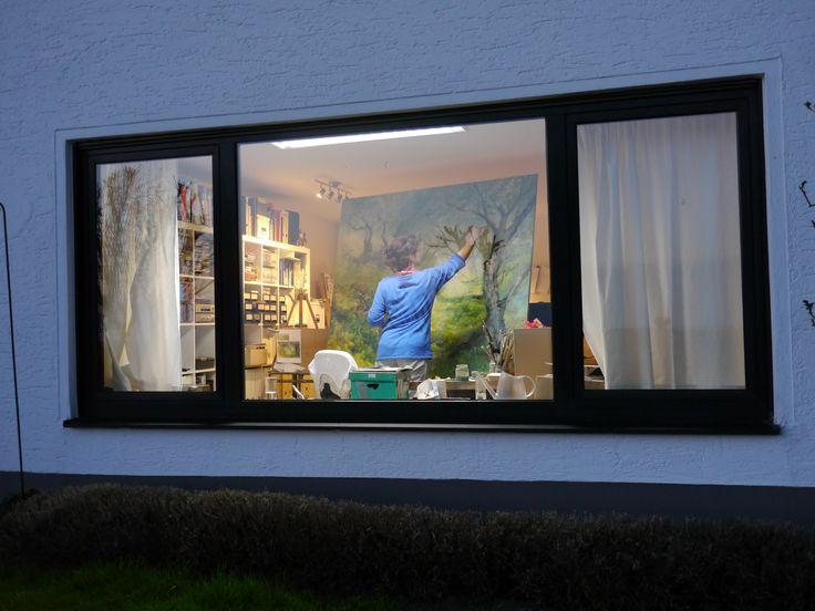 """""""Night Painting"""" - nächtliches Künstlerleben durch das Fenster betrachtet - www.ute-herrmann-kunstmalerin.de #artistatwork"""
