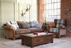 The Holborn is a truly elegant sofa combining leather and fabric within its design. It is finished in an Indiana colour tan with Alba Mink fabric and is crafted from gorgeous weathered oak. With its neutral look this magnificent sofa will blend seamlessly in to most rooms. But this sofa is not just about great looks, it is also incredibly comfortable. It has deep filled foam and feather seat cushions and fibre back cushions. The Holborn is available as a standard or pillow back.