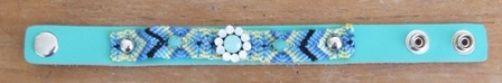 Ibiza style armband mintgroen met bling-bling bloem