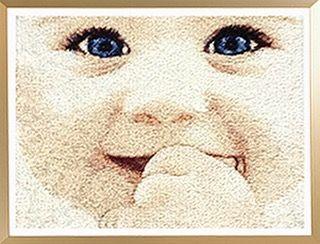 Фото на память?! Это стало уже обычным и привычным. А вот вышитый портрет 😊станет и замечательным подарком🌷🌷🌷 и семейной реликвией. #малыш #вышивка #хэндмейд #младенец #ребенок #дети #подарок #стиль