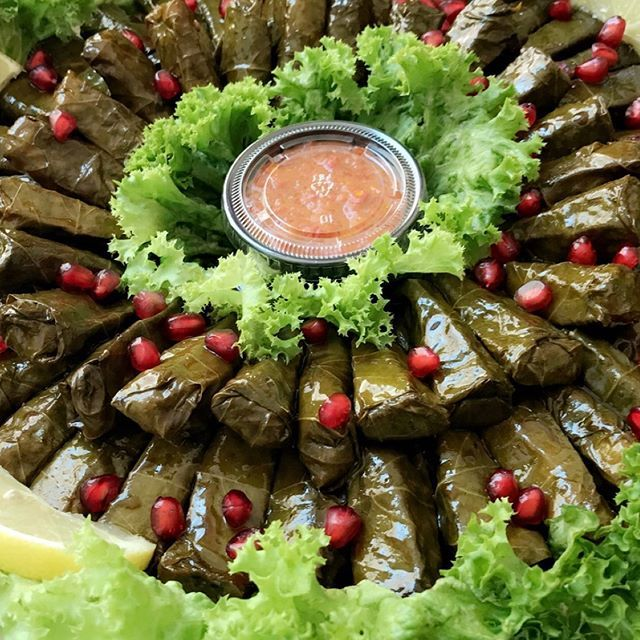 Pin By Mariam Fahad On Middle Eastern Food Stuffed Grape Leaves Grape Leaves Grapes