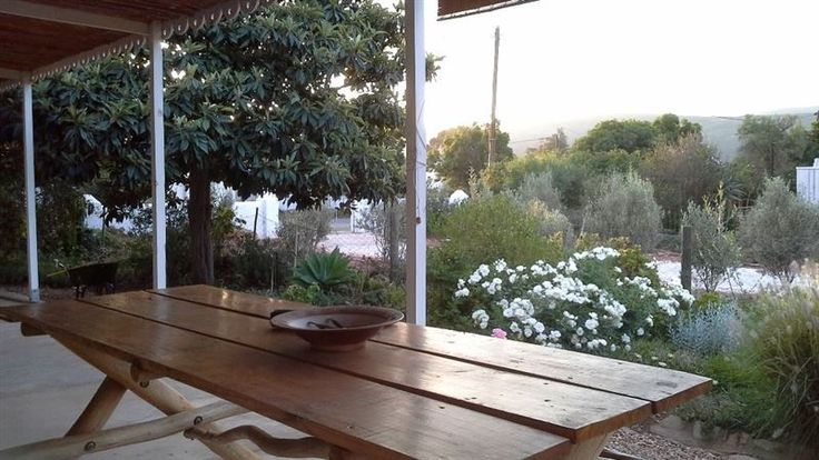 Next Door Cottage - This is a cosy self-catering cottage situated in the historic village of McGregor, within walking distance to various shops and restaurants.  The cottage features tile floors and reed ceilings; consisting ... #weekendgetaways #mcgregor #southafrica