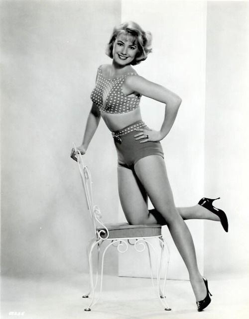 Shirley Jones: Shirley Jones, 1950S Inspiration, Classic Beautiful, Real Beautiful, Classic Hollywood, Jones 63, Beautiful People, Favorite Celebrity, Celebrity Legs