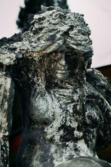 "Detail ""MEMORIES DE FUTURUM"" #sculpture #czech #portrait"