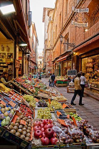 Via Pescherie Vecchie - Bologna, Italy