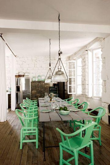 L'art du déjeuner chez Paola Navone - 6 photos de salles à manger qu'on aime - CôtéMaison.fr
