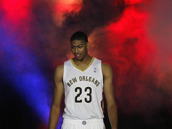 New Orleans Pelicans unveil new team uniforms