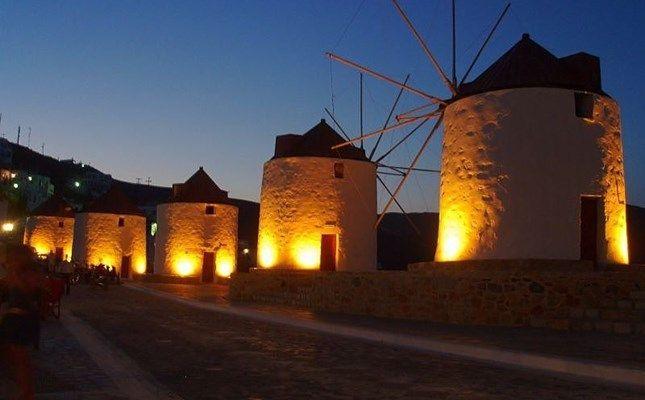 Οι ανεμόμυλοι της Χώρας! http://diakopes.in.gr/trip-ideas/article/?aid=209772 #travel #greece #island #astypalaia
