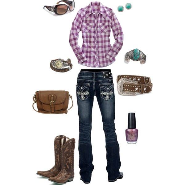 She's SO Country, loving this look too!