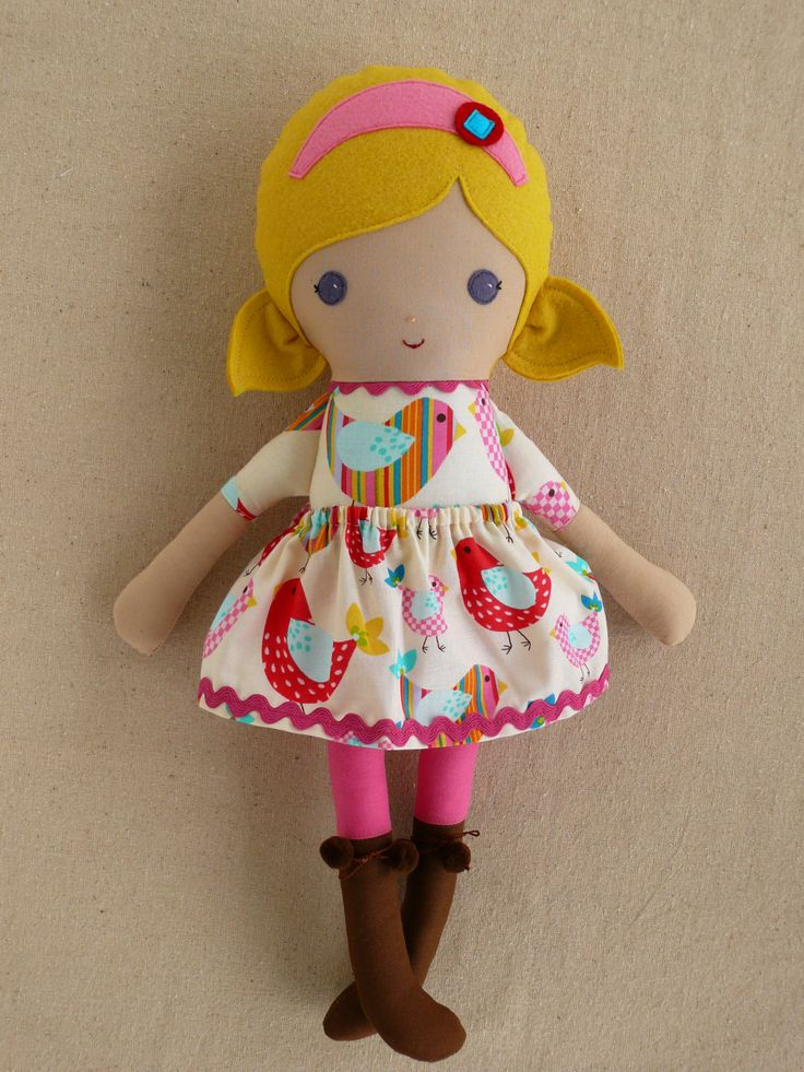Ткань куклы Rag Doll Девушка в Птица печати платье на rovingovine