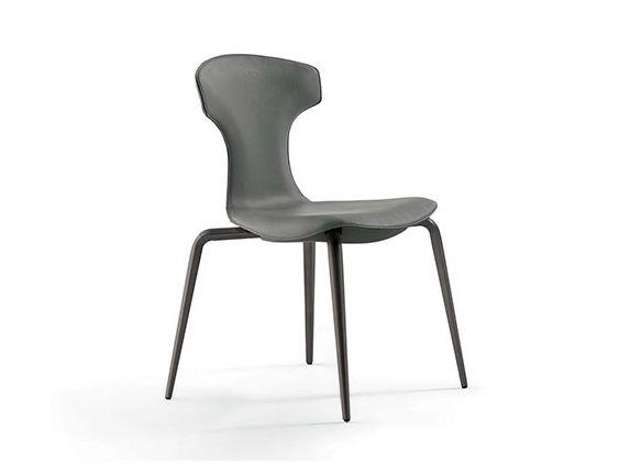 MONTERA Chaise empilable by Poltrona Frau design Roberto Lazzeroni