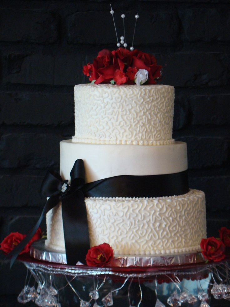 wedding cakes in pigeon forge tn also from cakes by bakin bishop in pigeon forge tn 24733
