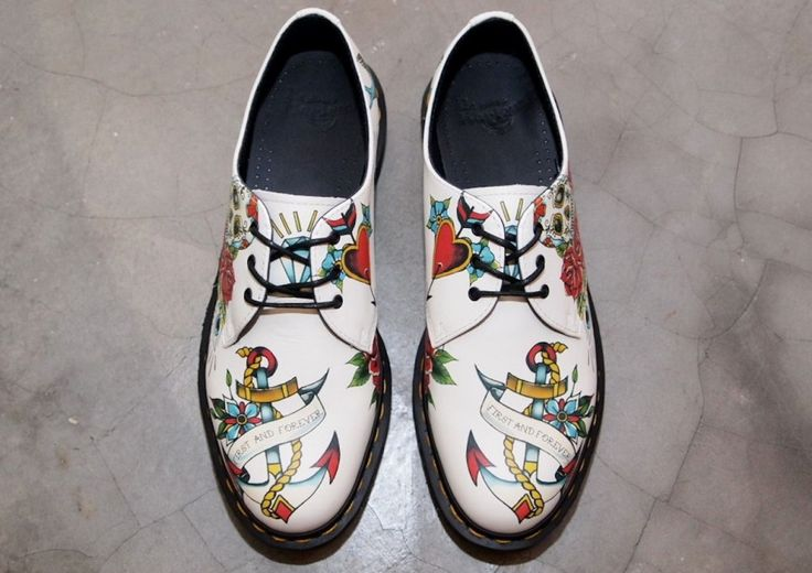 """DR. MARTENS – """"Marcel in White Winter Tattoo""""