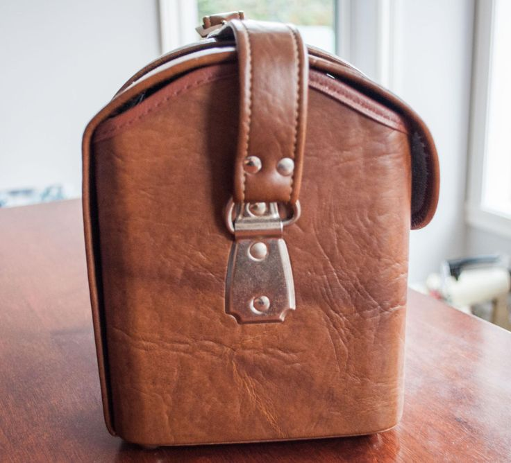 17 meilleures id es propos de sacs en cuir marron sur. Black Bedroom Furniture Sets. Home Design Ideas