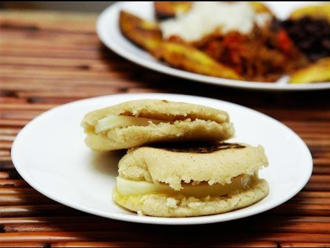 Arepas con queso - YouTube