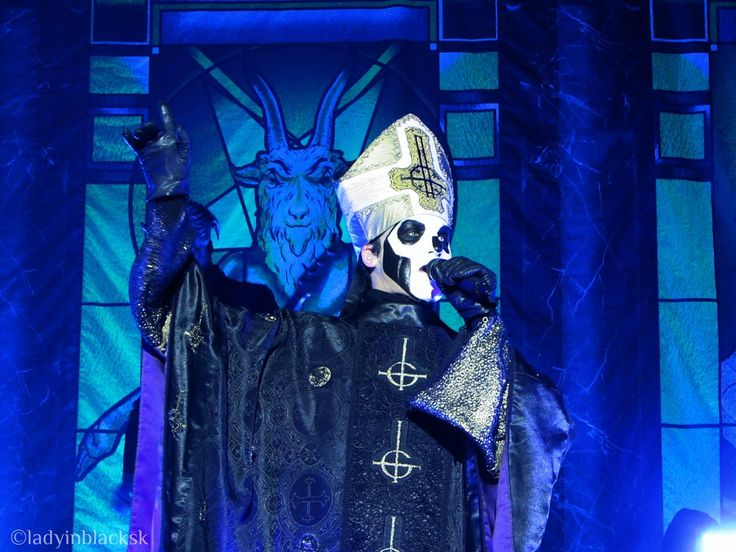ghost papa emeritus popestar nameless ghouls live #ghost #ghostbc #papa #papaemeritusiii #papaemeritus #popestar #popestartour #concertphotography #liveshow #livemusic #swedishmetal #rockmusic #heilsatan #heavymetal #livemusicphotography #photography #masks #band #rocknroll #musicphotography #liveshot #meliora