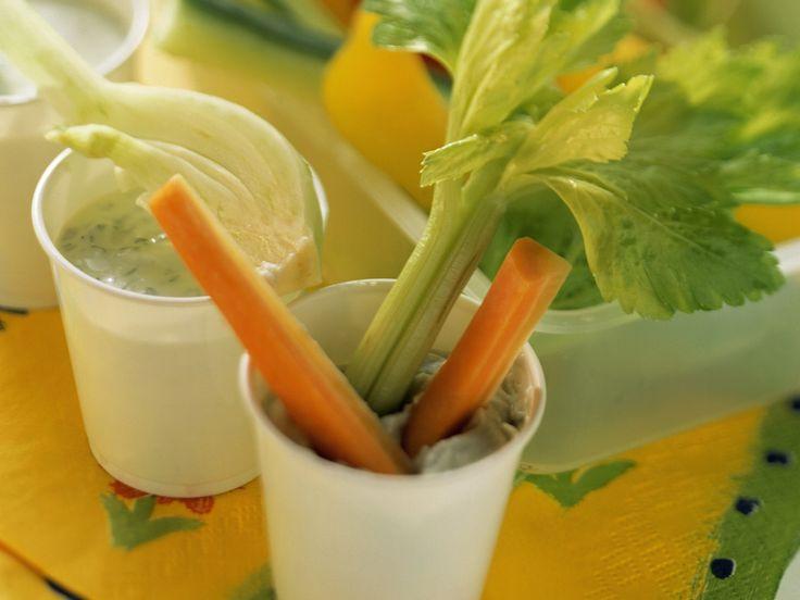 Gemüsesticks mit Dip - smarter - Zeit: 30 Min.   eatsmarter.de