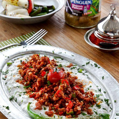 Ali Nazik Kebabı http://www.penguenyemektarifleri.com/Anasayfa/Yemek_Tarifi/24/ali-nazik-kebabi