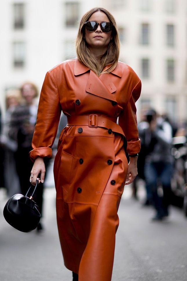 Мира Дума в Милане - мода, красота, украшения, новости, тренды, коллекции брендов одежды, обуви и аксессуаров: все новинки в онлайн-версии журнала Vogue.