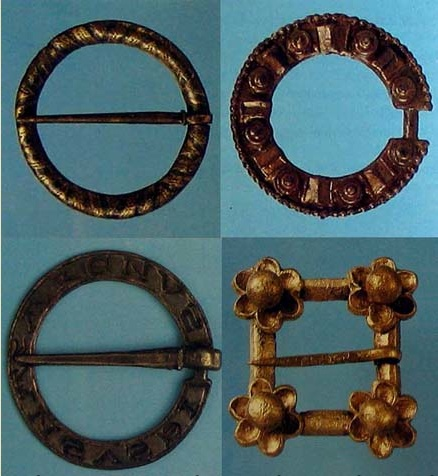 Brooches 1200-1350 from excavations in London. Materials - gunmetal, pewter…