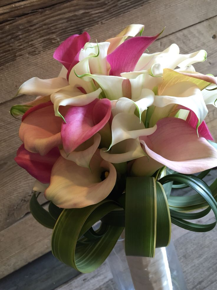 Wedding bouquet pink and white calla