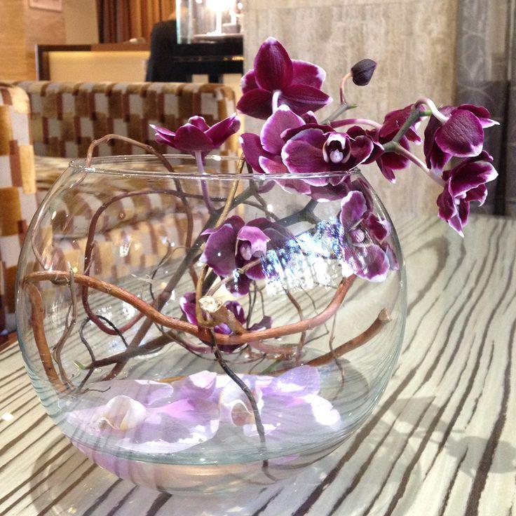 Les bouquets de Déborah décorent et embaument le Grand Hôtel jusque dans les moindres recoins !