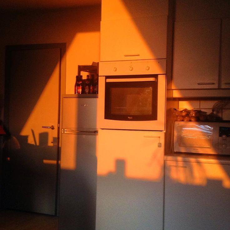 Light Aesthetic Background