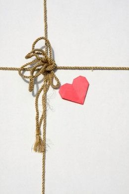 Romantic Care Package Ideas for Military Spouses to Send to Soldiers Overseas