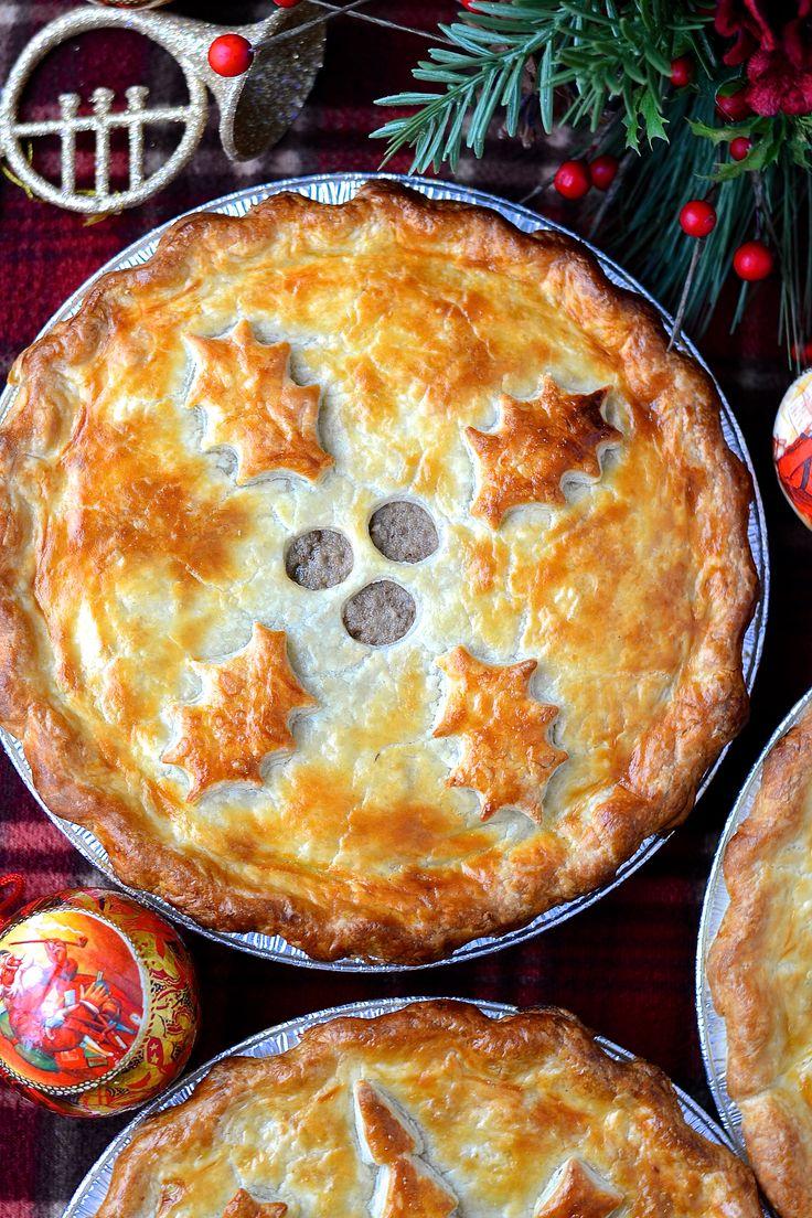 tourtière (pâté à la viande) du Québec - Traditional meat pie from Quebec---www.catherinecuisine.com