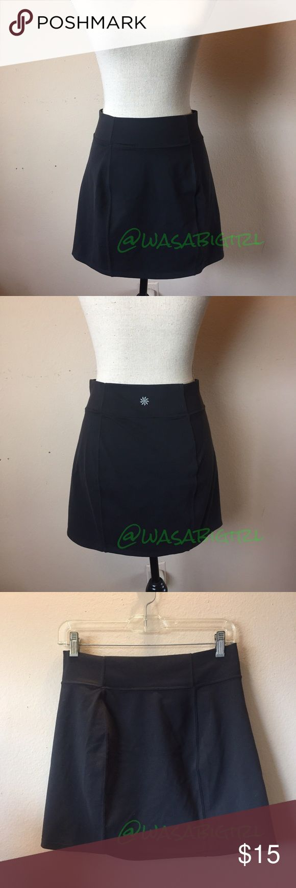 """Athleta Active Sporty Skirt Stretchy slightly A line mini skirt gets you to and from the studio and out and about on casual days. Waist approximately 14"""" across unstretched. Stretched to 17"""" easily. 15"""" side seam. 88% supplex, 12% Lycra spandex. 🚫 No trades. Bundle to save on shipping Athleta Skirts Mini"""