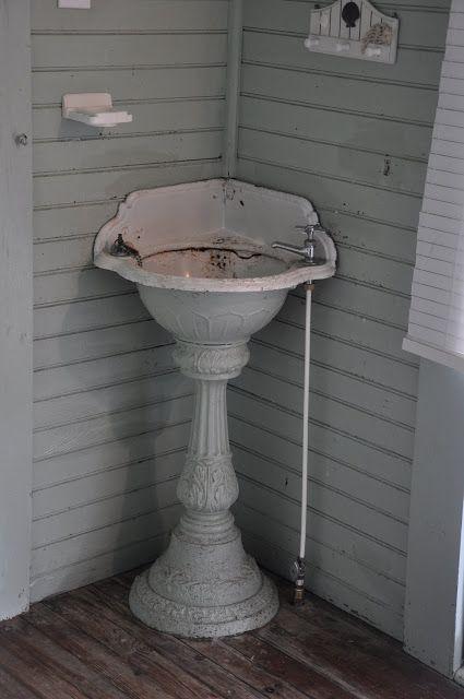 25 Best Ideas About Corner Sink Bathroom On Pinterest Corner Bathroom Vanity Bathroom Corner