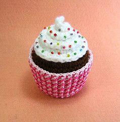 Cupcake (stripeyblue) Tags: pattern crochet plush cupcake amigurumi
