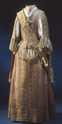 DATING  about 1660  OTHER KEYWORDS  blackbirds  COLLECTION OF THE  Royal Armoury  INVENTORY NUMBER  31311 (3450)1600 Century Gowns, 1600S Clothing, 1600S Court Clothing, Royal Armory, 17Th Century, 1600S Fashion, 1660, 1600 S, Historical Dresses