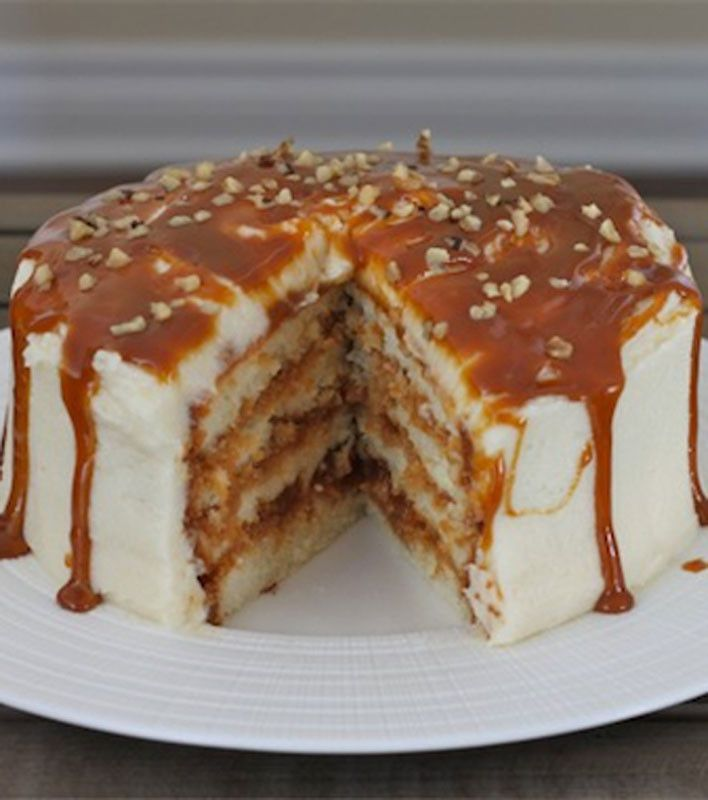 Dulce de Leche Vanilla Cake..if u don't think this looks delicious, look again! #desserts #delicious                                                                                                                                                      Más