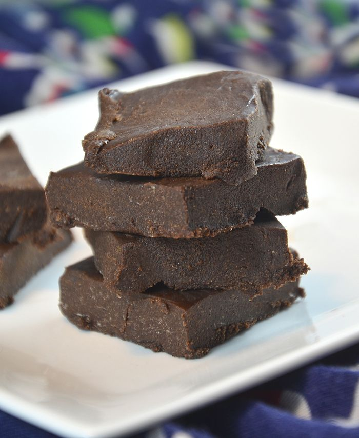 No-Bake, Healthy, Vegan Protein Fudge: Rich, easy to make 4-ingredient fudge! Gluten-Free, Vegan, No Refined Sugar. Made with Organic Hemp Protein.